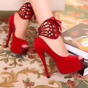 Top Caçados Vermelhos